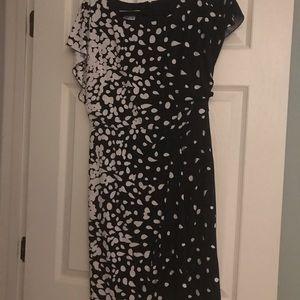 Kay Unger Black and white dress